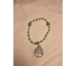 Bracciale con perline verdi e con charm Albero della Vita