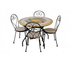Tavolo piastrellato con sedie in ceramica di Caltagirone